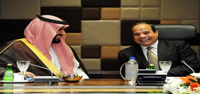 الرئيس المصري و ولي ولي العهد محمد بن سلمان في زيارة سابقة . أرشيفية