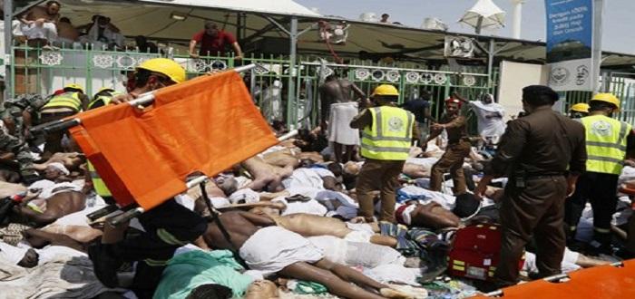 آلاف القتلی والجرحى خلال مواسم الحج بسبب سوء إدارة وتنظيم الحج من قبل السلطات السعودیة .
