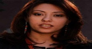 منى صفوان ، كاتبة صحفية .